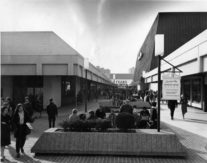 1973 Shopping Centers-VA-Landmark-5961_006 star-wire.jpg