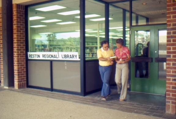 Hunters Woods Reston Regional Library 1974 GMU SCA.jpg