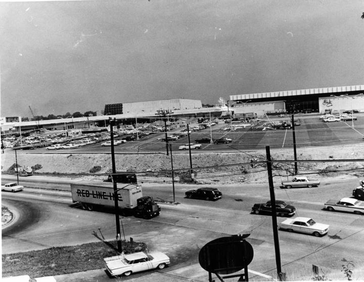 July 1965 Shopping Centers-VA-Landmark-5957_002 star.jpg